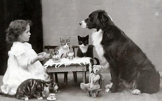 Little-girl-tea-party