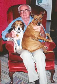 Pets_helping_elderly
